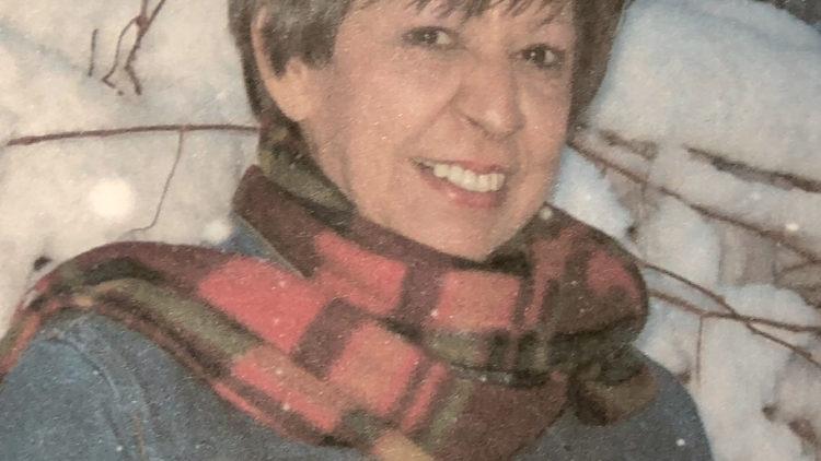 Ms. Carolyn Evon Hunt